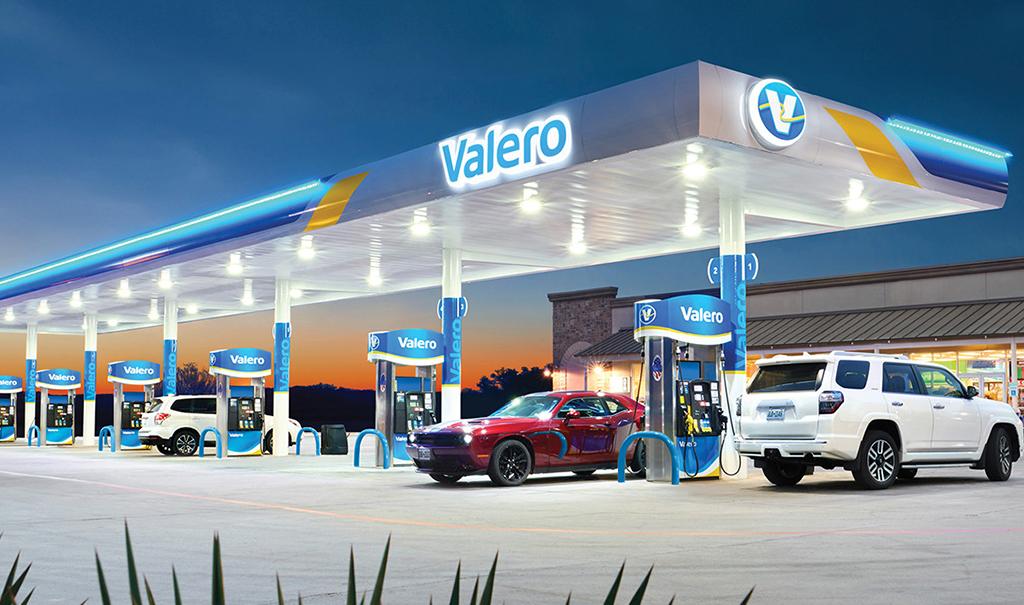 La texana Valero llega a México con sus gasolineras