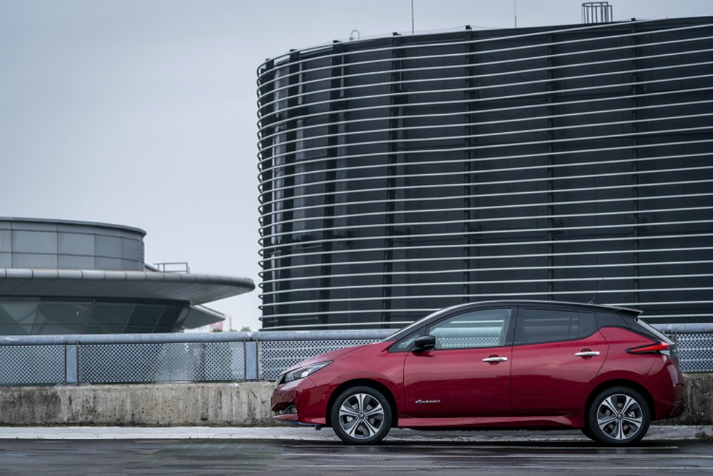 Nissan LEAF es nombrado coche del año en Stuff Gadgets Awards
