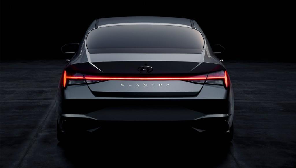 Hyundai presentó su Elantra con la variante eléctrica.