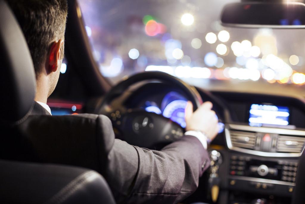 5 malas prácticas que los conductores tienen y pueden dañar el motor