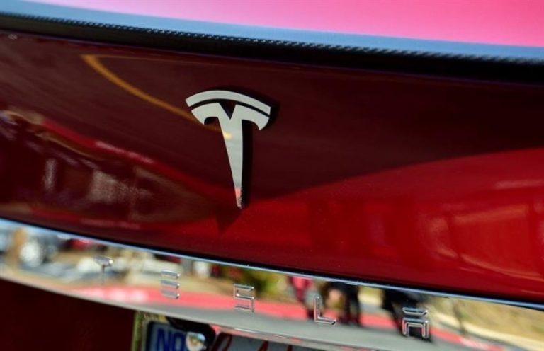 Tesla y KIA la rompen en ventas a pesar de coronavirus.