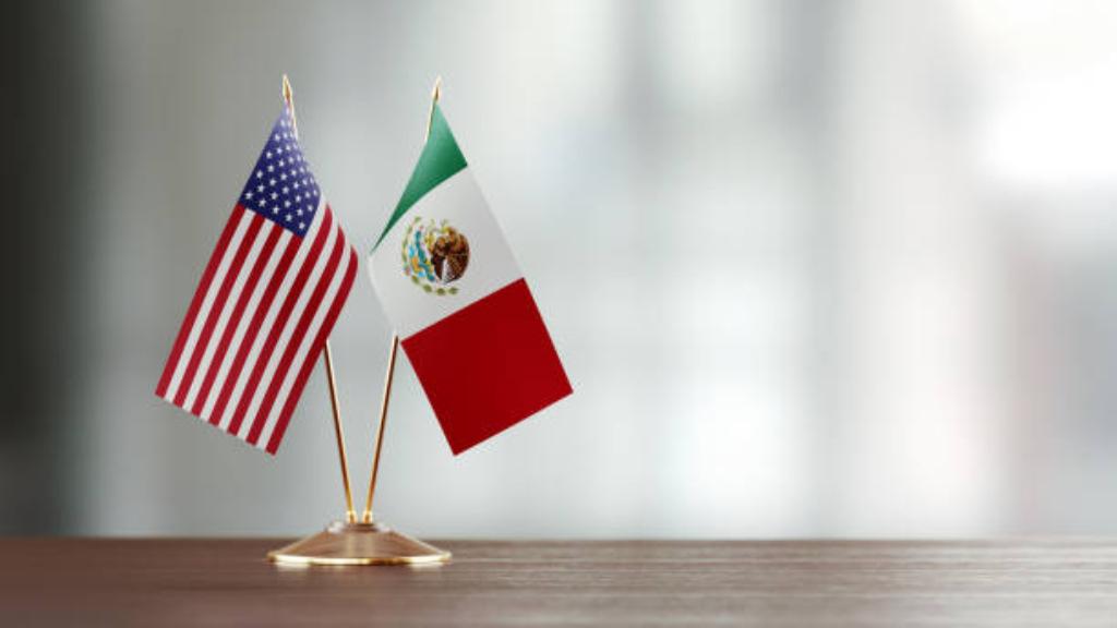 Estados unidos pide a México reactivar sector automotriz.