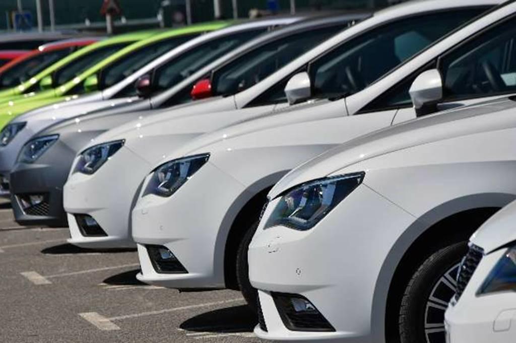 Ven lenta recuperación en venta de coches