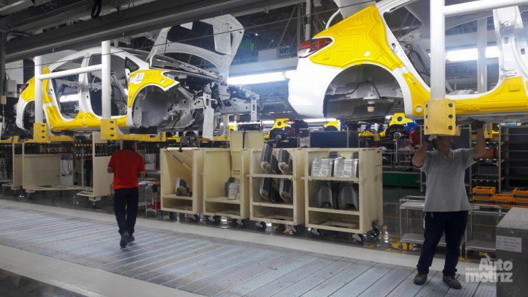 se cae producción y exportación de autos