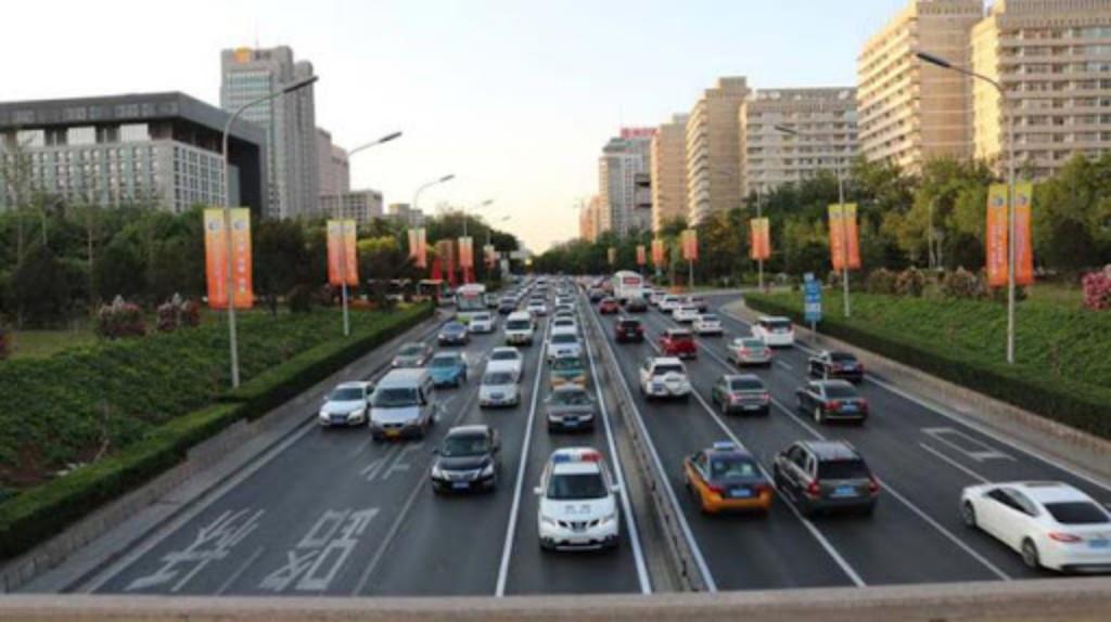 China subsidia compra de coches con hasta mil 400 dólares en efectivo.