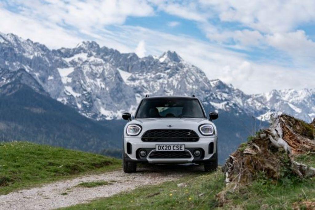 Mini Cooper Countryman y sus nuevas configuraciones a diésel, gasolina e híbridas.