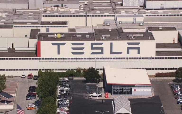 Tesla podría mudar su planta de California a Guanajuato, da a conocer Diego Sinuhé Rodríguez