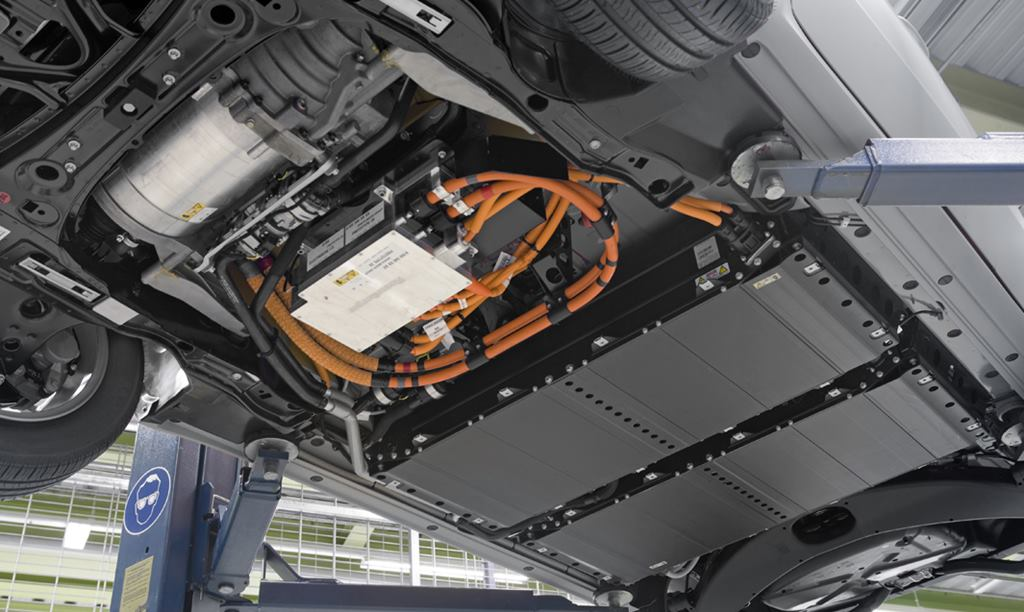 Europa se prepara para fabricar baterías para coches eléctricos, no quiere depender más de China.