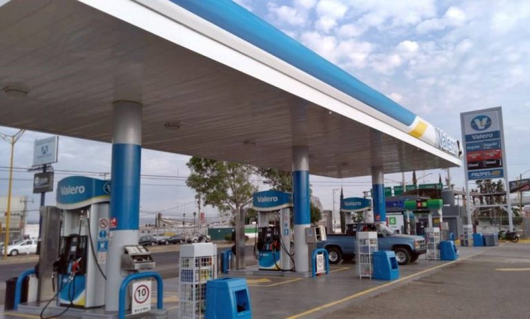Valero abre más gasolineras