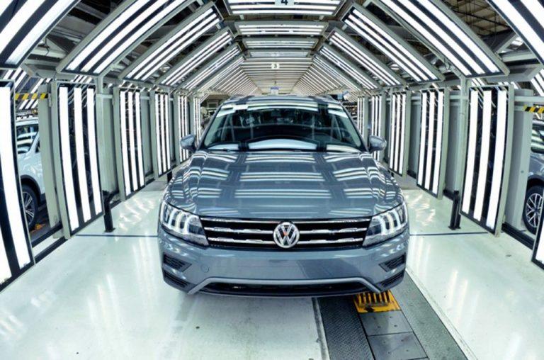 Puebla no reabrirá industria automotriz