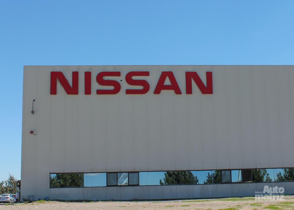 Nissan anuncia despidos