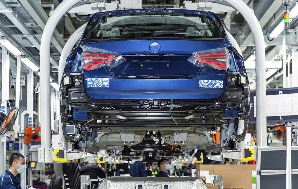 BMW prepara nuevo auto eléctrico