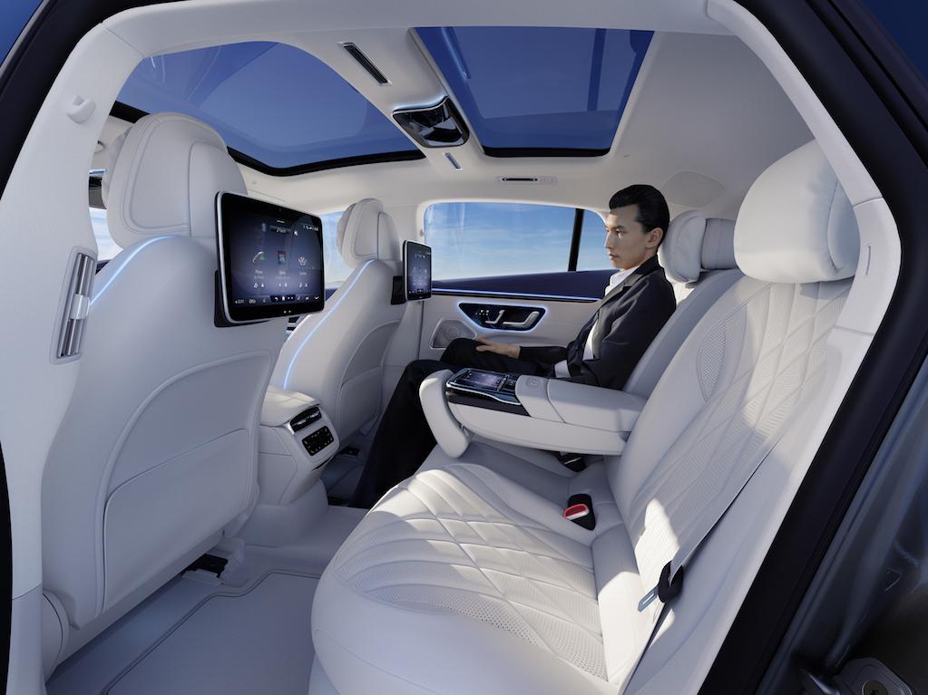 Mercedes-Benz presenta EQS el sedán de lujo que redefine la historia